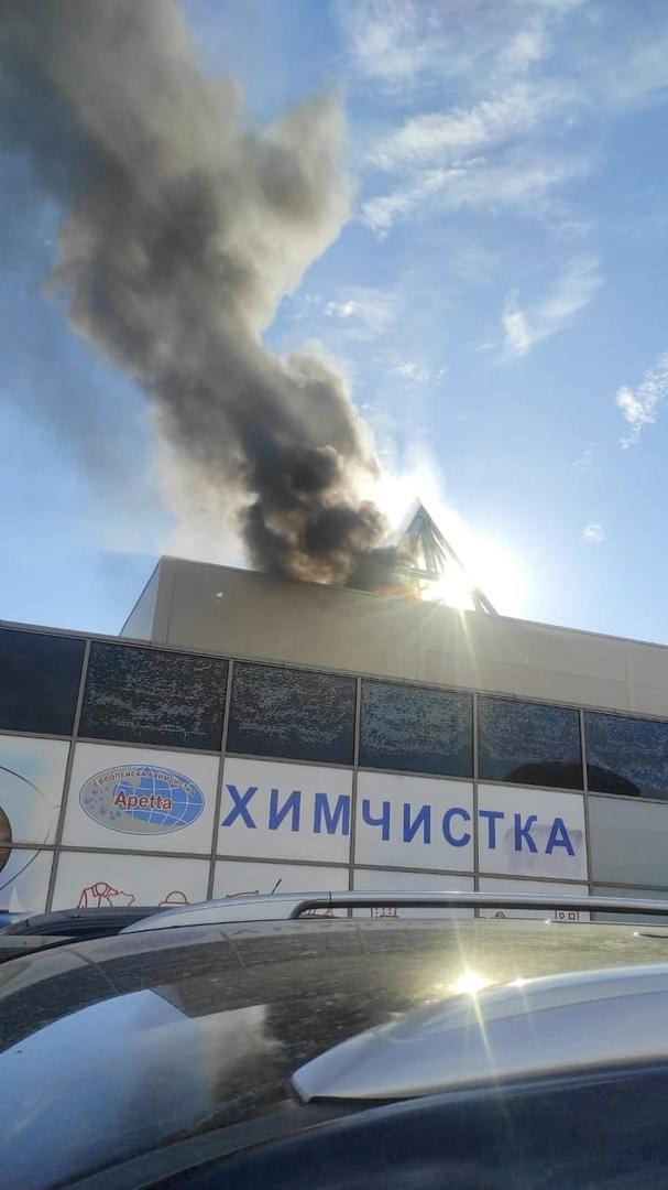 16 июня в 19:00 поступило сообщение о пожаре по адресу: Выборгское шоссе, д. 3. В двухэтажном здани...