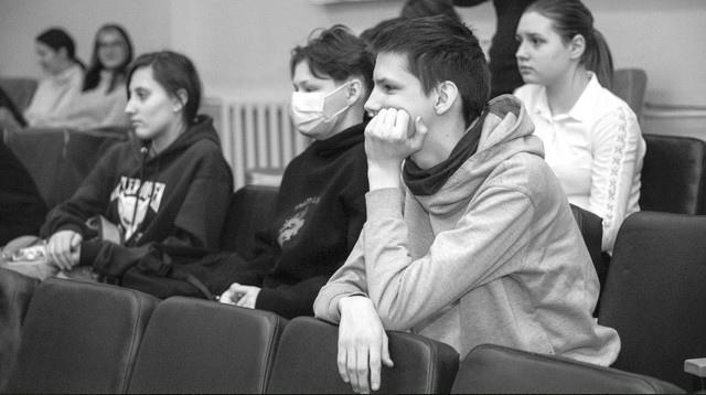 Представители ИрНИТУ провели встречу со старшеклассниками Усть-Илимска