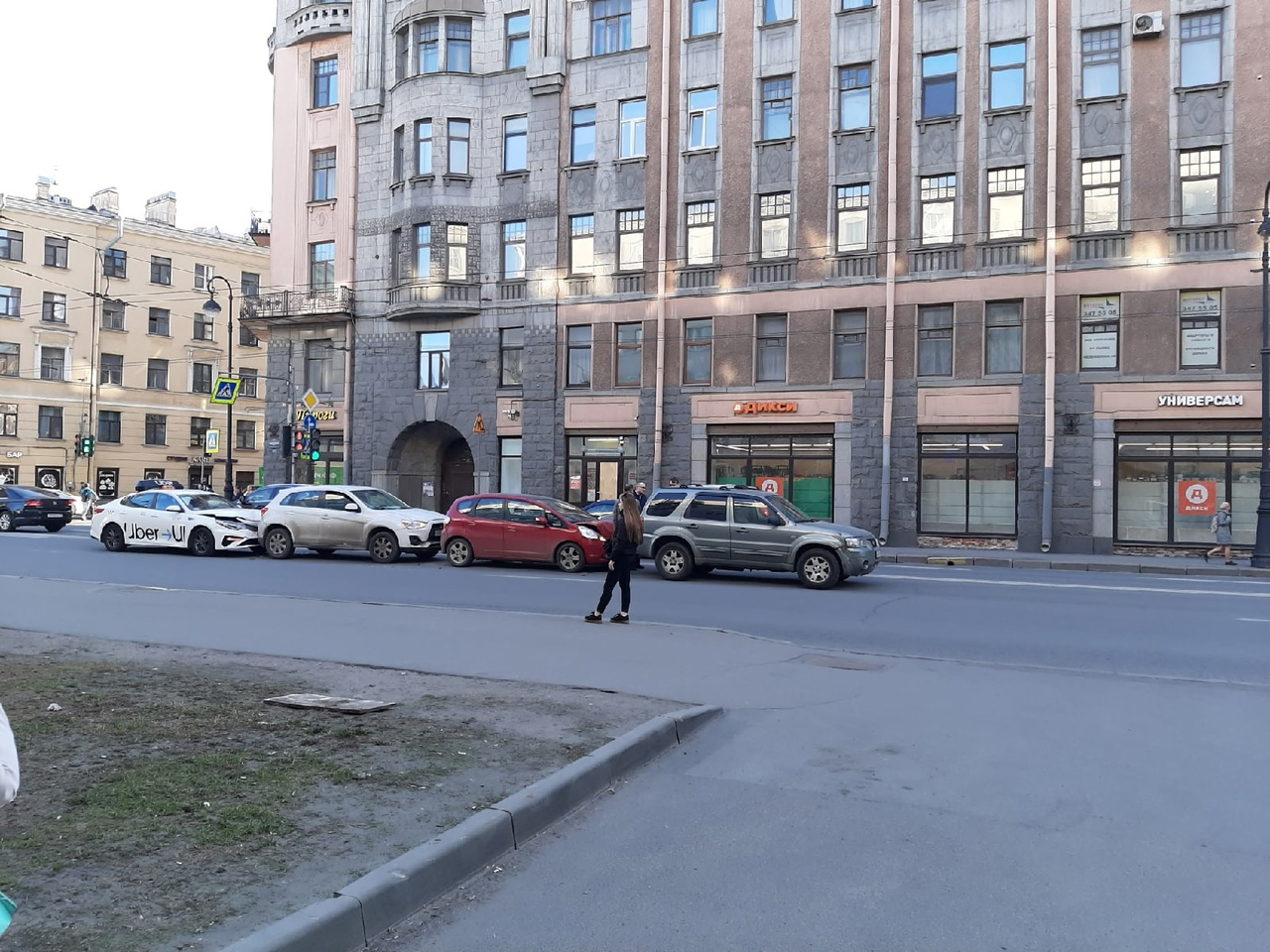 На Каменноостровском проспекте 55 сразу после Попова в сторону Каменноостровского моста, сообразили ...