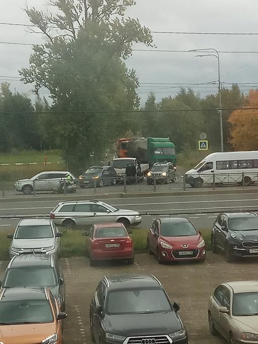 Выезд с Ручьевской дороги на Шафировский затруднён