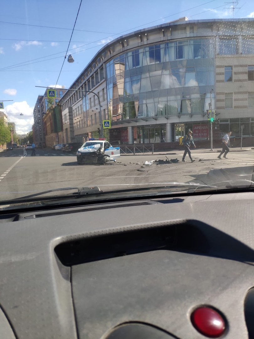 Авария с автомобилем ДПС и Опелем на пересечении Пионерской и Корпусной