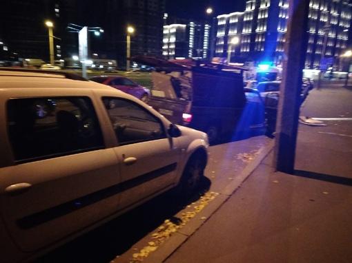 Развозчики картона на Дальневосточном в кармане собрали машины полиция их задержала