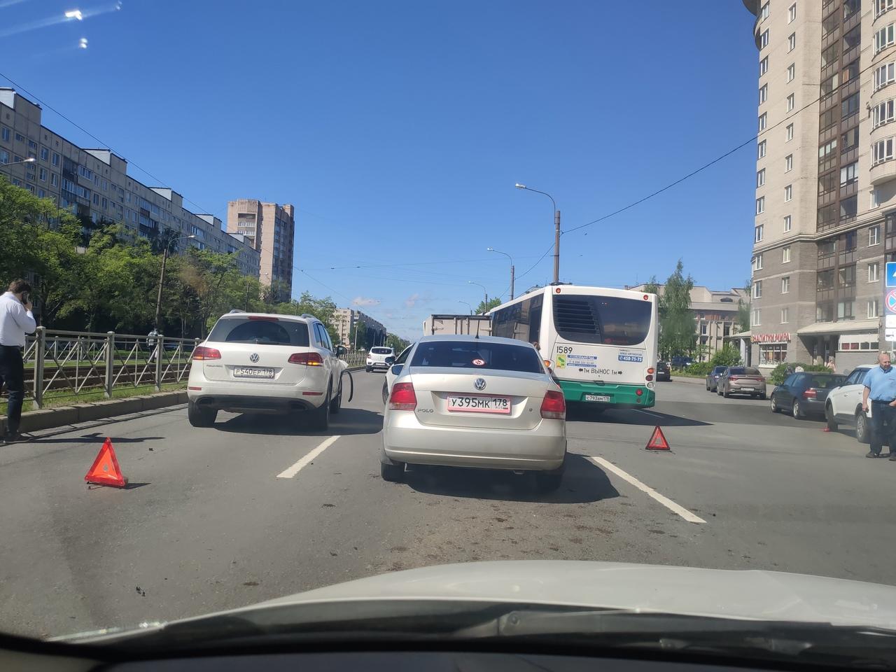 Авария на проспекте Солидарности 14к1.