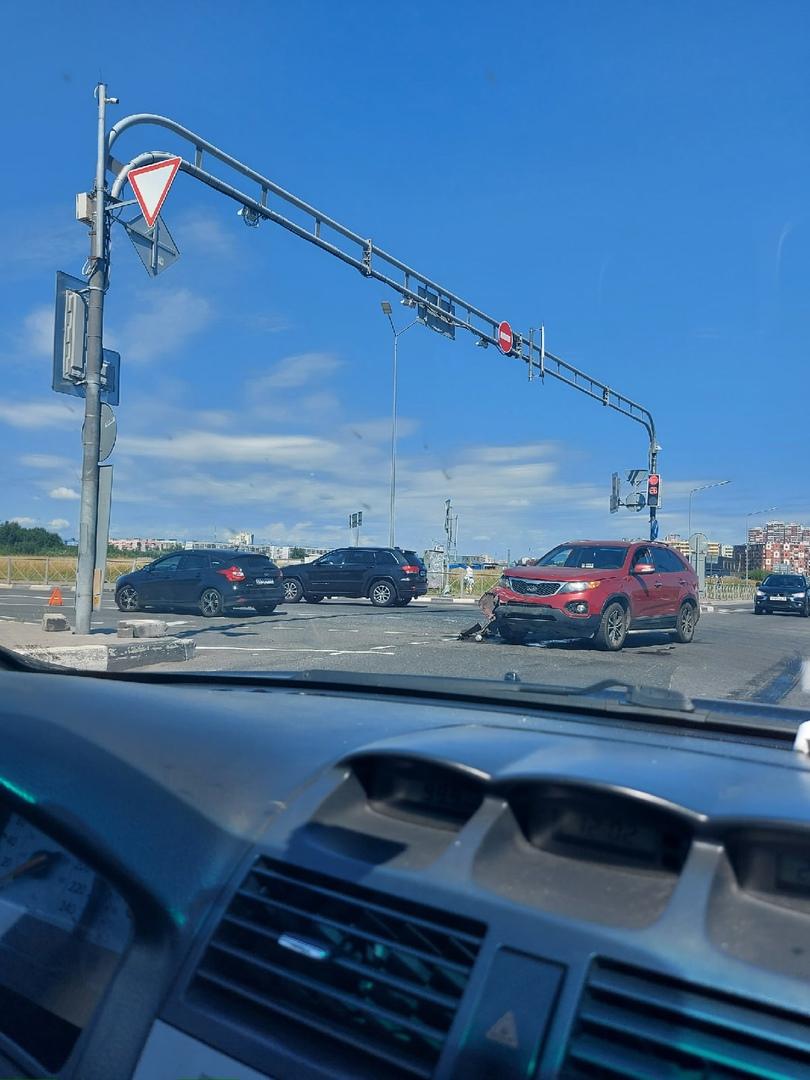 МЕГА перекрёсток в городе Кудрово.