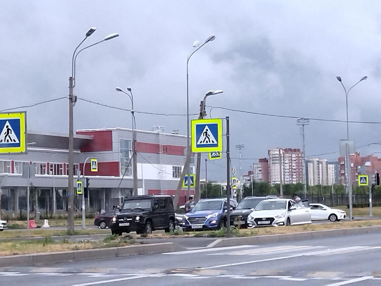 Хёнде сообразили на троих на Парашютной у дублёра Маршала Новикова.