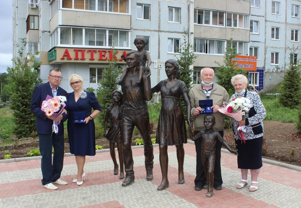 Медали «За любовь и верность» вручили жителям Усть-Илимска
