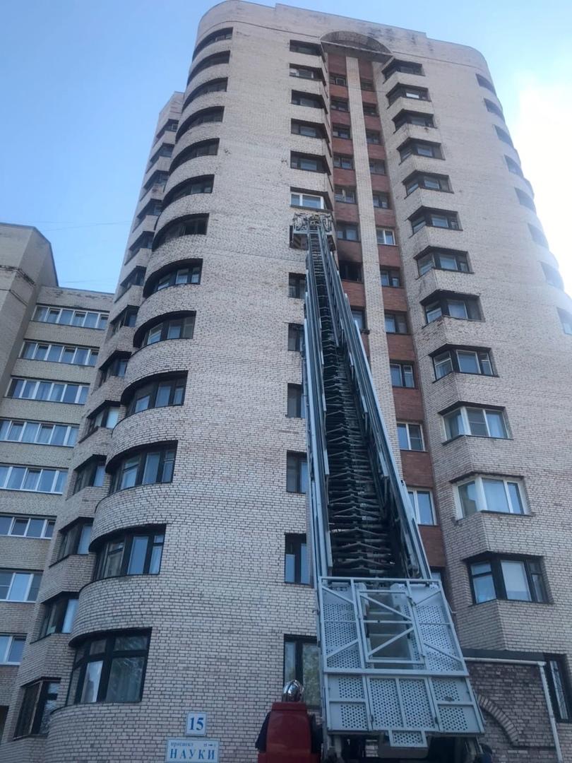 10 июня в 14:55 на телефон МЧС поступило сообщение о пожаре по адресу: проспект Науки дом 15 корпус ...