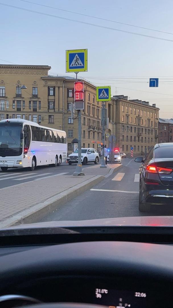 ДТП Мерседеса с автобусом на Тульской, ГАИ на месте.