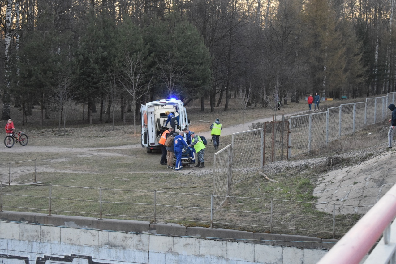 В 18:30- 19:30 на ЖД мосту проспекта Испытателей поезд Ласочка движущийся в сторону Финляндского вок...