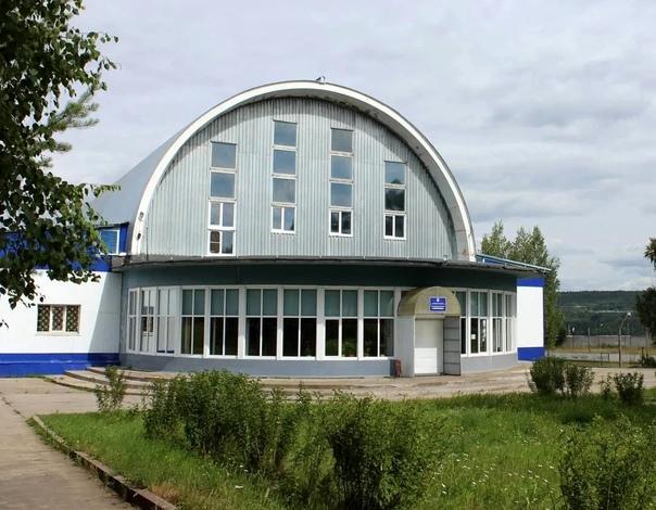 Усть-Илимск. Спортивный комплекс бассейн «Олимпиец»