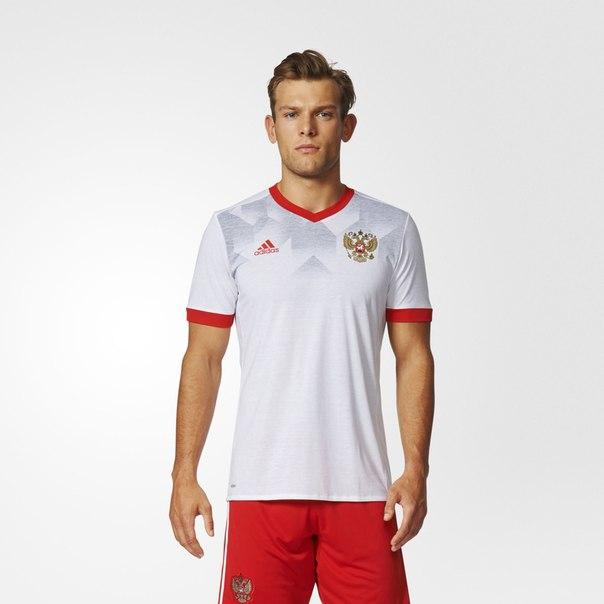 Домашняя предматчевая футболка сборной России