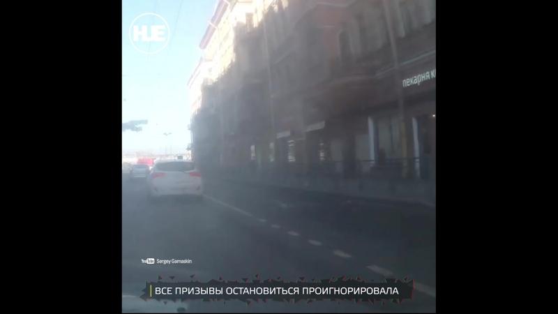 В Питере женщина сбила пешехода на зебре