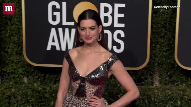 Video Anne Hathaway puts on busty display at 2019 Golden Globe Awards Daily Mail Online