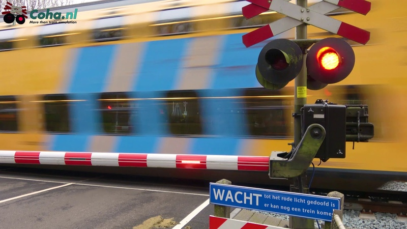 Spoorwegovergang Hulshorst (GD) 😍4K😍 Dutch railroad crossing