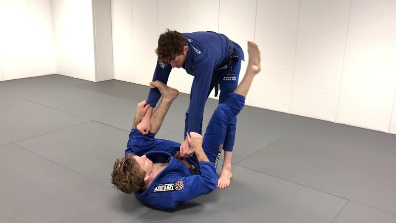Spider Guard pass that actually works with competition footage