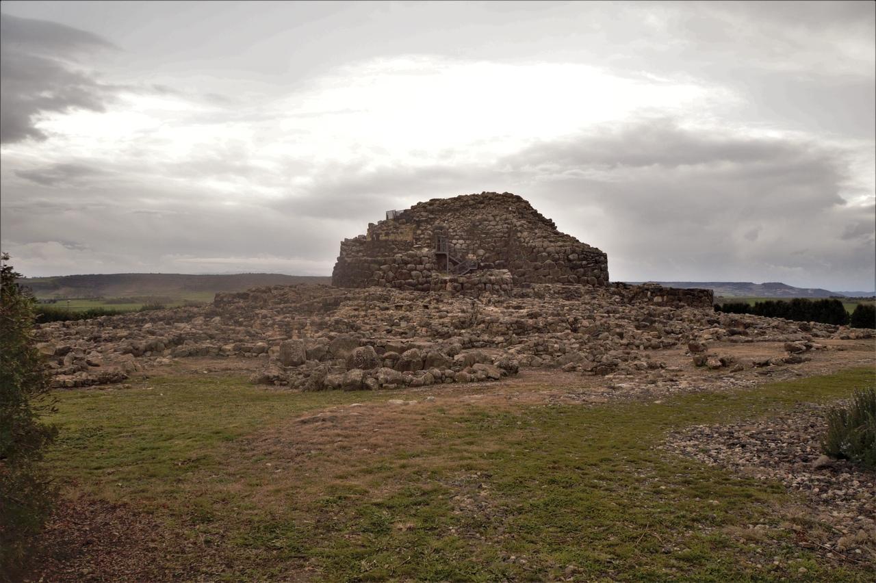 Барумини - каменная крепость сардинцев 3.5 тысячи лет назад