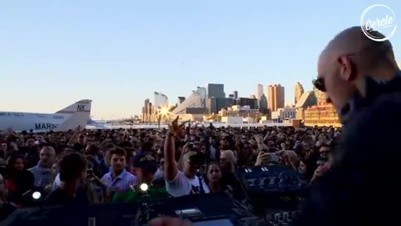 Len Faki - live show at the Intrepid Sea, Air Space Museum, in New York. (Cercle) 03.06.2019