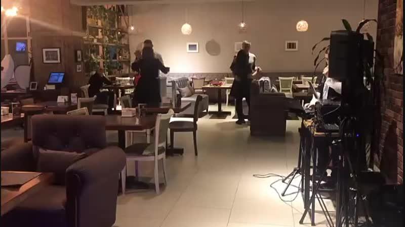 Вечер живой музыки в ресторане Батат