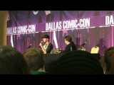 Stephen Amell at Dallas Scifi Expo: Oliver and Felicity chemistry