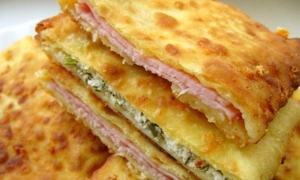 Суперидея для завтрака: сырные лепешки на кефире: ↪ 15 минут — и готово!