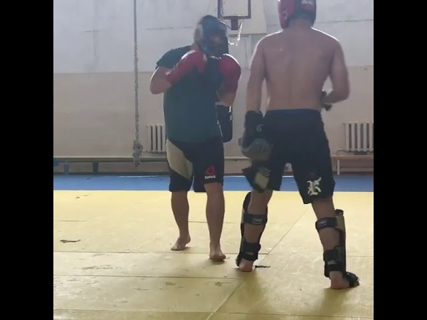 Khabib Nurmagomedov sparing with his brother