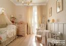 Милая комната для малыша в спокойных тонах.