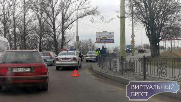 """Две ситуации на """"кольце"""" на бульваре - маршрутка и ДТП, в котором кто-то виноват"""