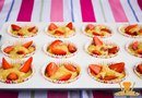 Банановые маффины с ягодами: всего 3 ингредиента!