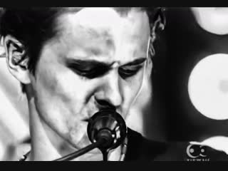Muse - In Your World (TOTP 2002)