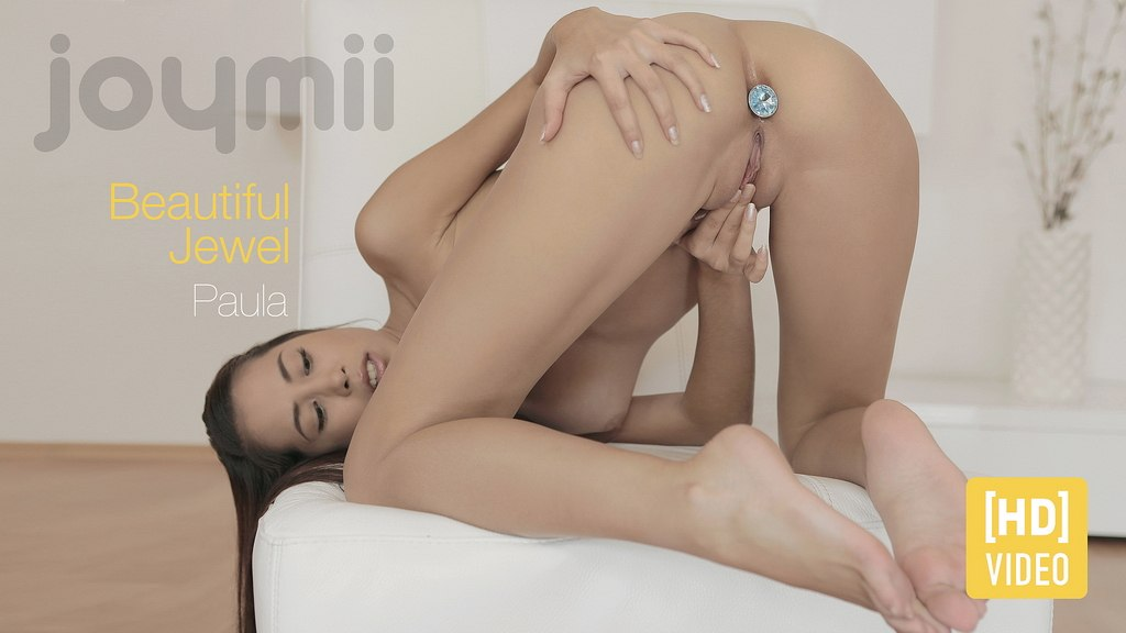 Beautiful Jewel HD Video with Paula S. Joymii