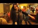 Русские и Осетины танцуют лезгинку С РУССКИМИ ДЕВУШКАМИ в ресторане!