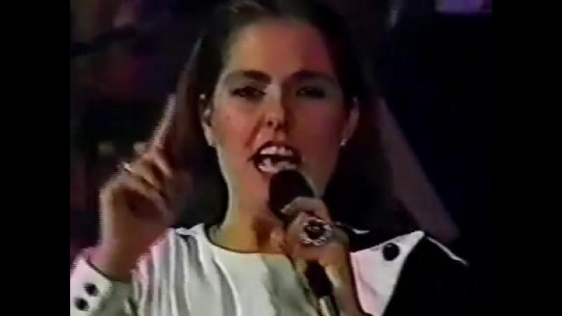 Lupita DAlessio - ESE HOMBRE (Vivo 1989).wmv
