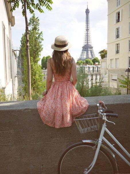 девушка балкон велосипед