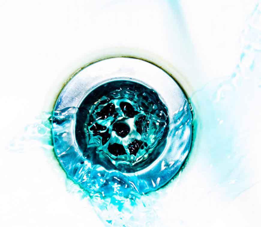 Чистящие средства для химической очистки следует использовать только в качестве крайней меры.