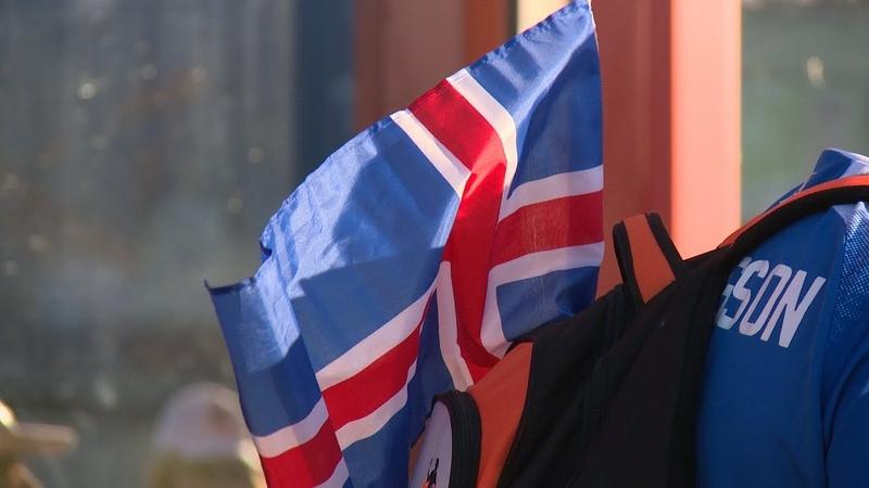 Волгоград Болельщики Исландии не боятся мошки и уверены в победе своей команды