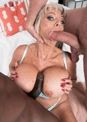 Blond doxy wife gets banged by bbcs