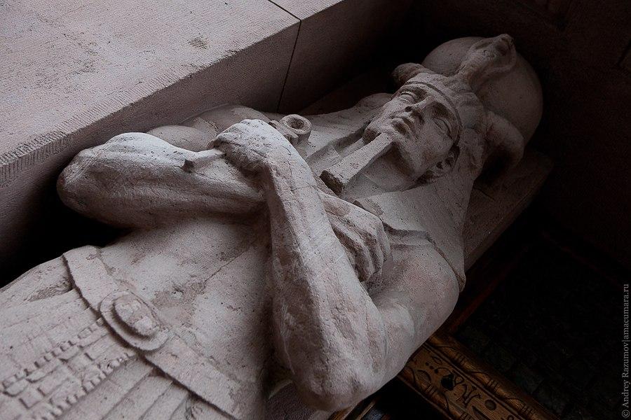 Египетский дом метро Чернышевская