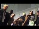 Каст Хищника делает селфи на comic con 2018