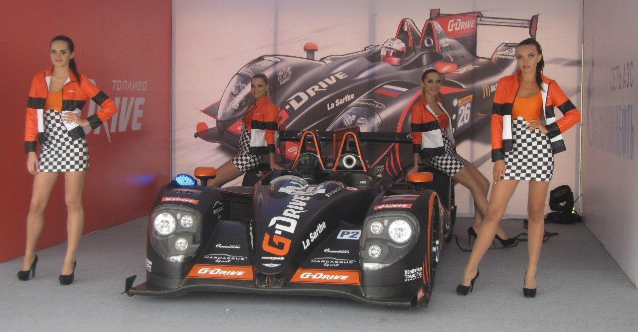 Девушки-модельки в паддоке команды G-Drive Racing (13.08.2014)