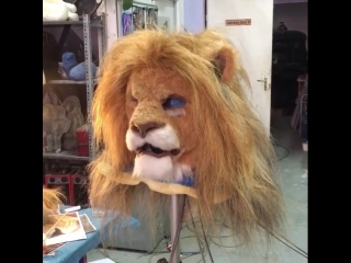 Our first animatronic test of the Lion Mask without color, for the Director.:-)