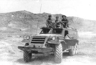 Бронетранспортер БТР-152 был укомплектован танковой коротковолновой приемо-передающей радиостанцией Р-113.