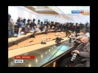 Украина  Банды националистов продолжают творить беспредел на территории страны 26 02 2014