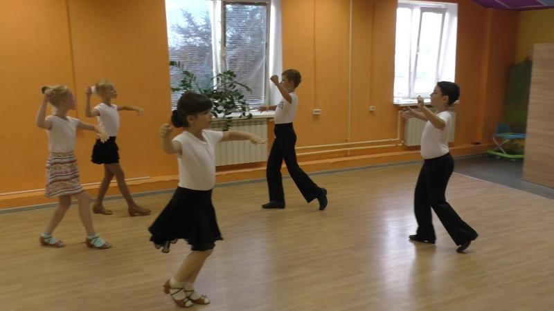 Квикстеп (Быстрый фокстрот). Бальные танцы для детей 7-10 лет. Старый Оскол. » Freewka.com - Смотреть онлайн в хорощем качестве