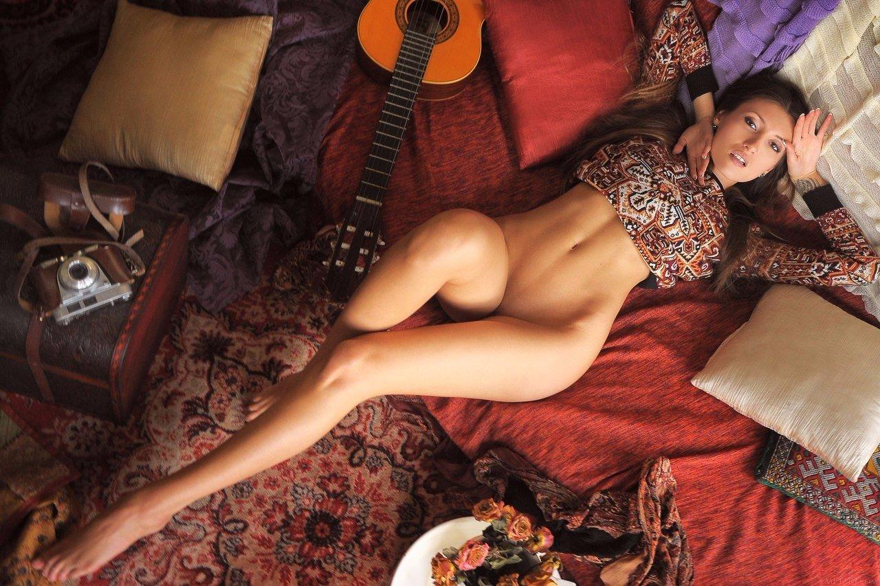 Фото девушек эротично одетых 6 фотография