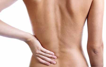 Ревматоидный артрит и боль в спине вызывают отеки вокруг позвонков.