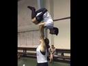 Acrobasi - overhead lift carry
