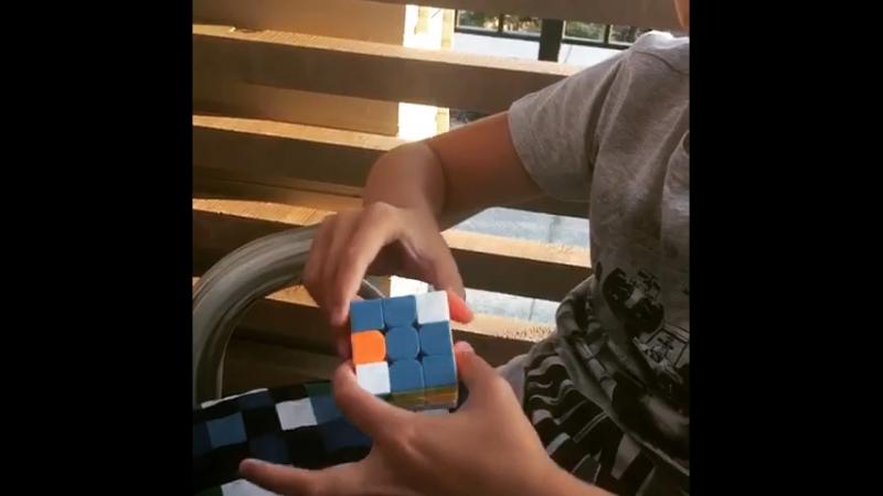 Кубик Рубика за 1 секунду