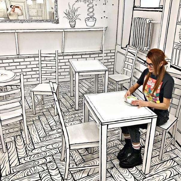 На набережной Мойки, 27 в Петербурге работает «ЧБКафе», интерьер которого напоминает черно-белый рисунок, сделанный маркером