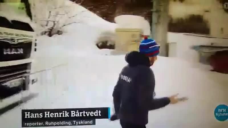 Логинов прошел мимо норвежских журналистов. Он сказал: «Я не говорю по-английски»