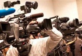 Из-за недоразумения в пресс-центре столкнулись две группы самообороны